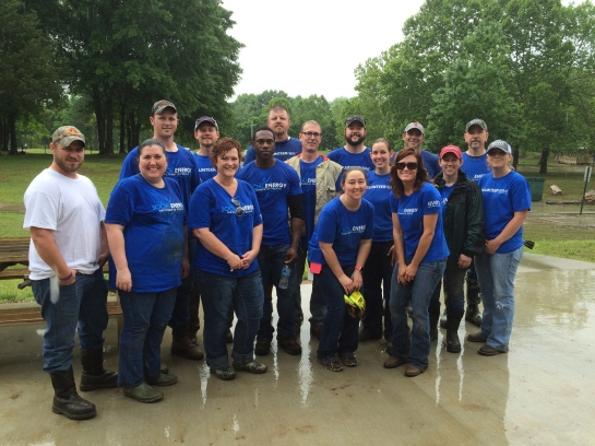 SWN employees volunteering their time to enhance the trees planted along Town Branch in Archey Fork Park.